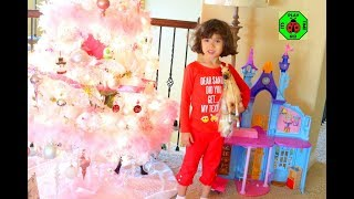 🎁CHRISTMAS MORNING 2017 Opening Presents From Santa Claus! itsplaytime612