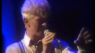 David Bowie - Life on Mars? - Live (HD)