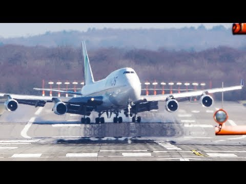 BOEING 747 CROSSWIND LANDING during a STORM at Düsseldorf - GREAT PILOT SKILLS