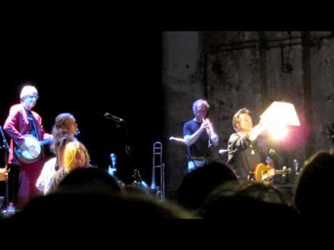 17 Hippies - Schattenmann / Ton étrangère - Berlin Kesselhaus live - 28.12
