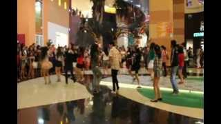 DREAMS 2013 Flashmob @ Mall of Indonesia