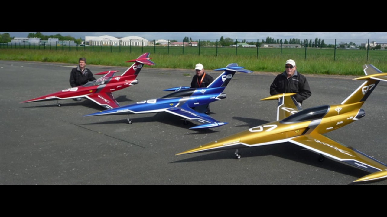 rc large scale planes with Watch on Watch as well Flying High Stunning Remote Control Plane Measures 17 8 Feet Weighs 150 Pounds in addition Extreme Modelvliegtuigen Groot Groter Grootst likewise 32265999649 together with Watch.