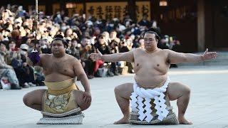 Японцы приветствовали первого за 19 лет японца-чемпиона сумо (новости)