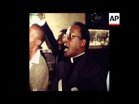 SYND 2 4 79 SOWETO LEADER DR. MOTLANA ADDRESSES RALLY