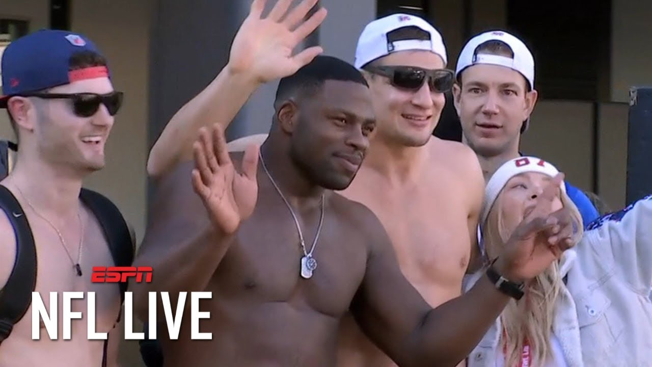 Rob Gronkowski Goes Shirtless At Patriots Super Bowl Victory Parade Nfl Live