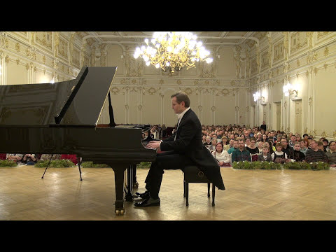 Beethoven - Moonlight Sonata, Op. 27 No. 2, Mov. 1, Misha Fomin, Philharmonia St. Petersburg