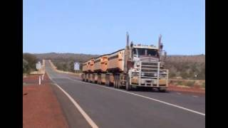 The BIGGEST trucks in the world : Trucking down under