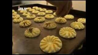 Repeat youtube video طريقة اعداد كعك بأسلوب حديثي 1434هـ