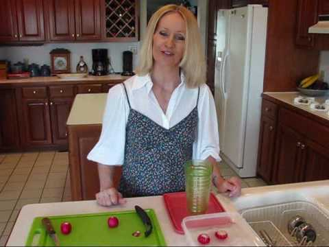 Betty's Quick Tip 17--How To Make Radish Roses For Garnish