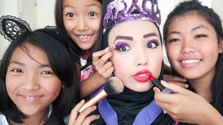 Sisters do my Makeup (Evil Queen)