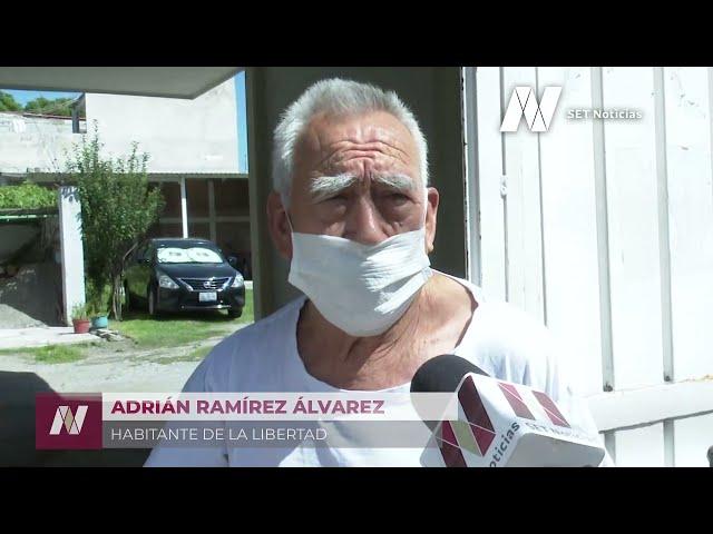A sus 78 años de edad, don Adrián cuida los parques de la colonia La Libertad.