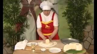 Осетинские пироги на станции метро Краснопресненская(, 2015-07-08T16:21:00.000Z)