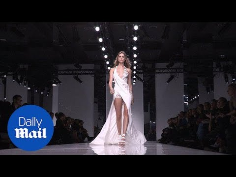 Behati Prinsloo walks Versace Haute Couture 2016 Paris runway - Daily Mail