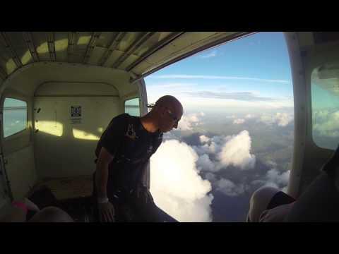 Stefany Galeano Salto libre Paracaidismo Tela-Honduras