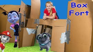 Paw Patrol and Vampirina Ultimate Box Fort Hide N Seek with Puppy Dog Pals