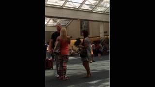 Saori meets Brock Lesnar & Sable at Orlando airport - #brocklesnar #sable #wwe #wrestling #thele