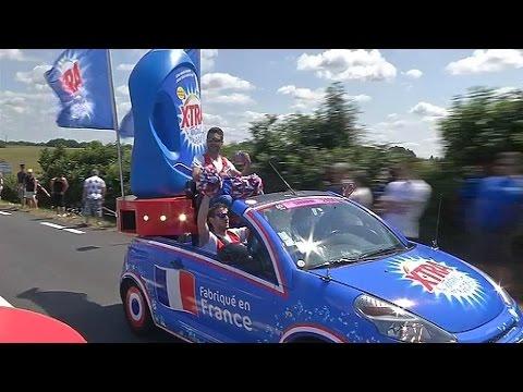 Tour De France: Un Job Très Répétitif à Bord Des Caravanes