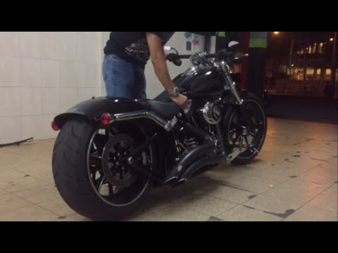 Harley Davidson Breakout Airride V&H Sound (Nik from Malaysia)