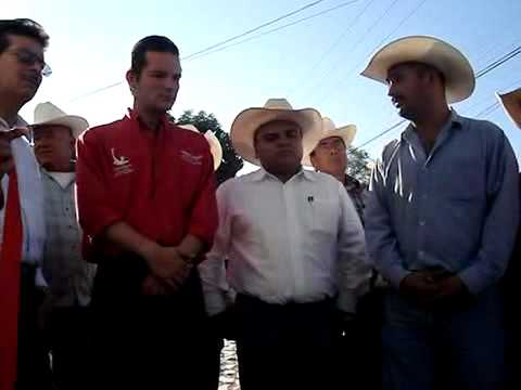 Fernando Pecina en la Inauguración de Oficina de l...