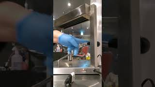 Usando a Raclette Tradicional Suiça fabricada no Brasil