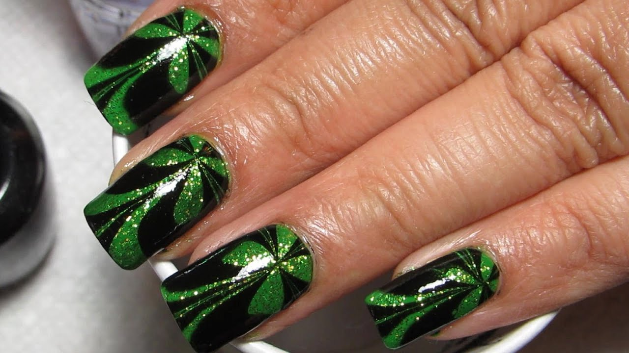 Sparkly Green & Black St Patrick\'s Day Water Marble Nail Art ...