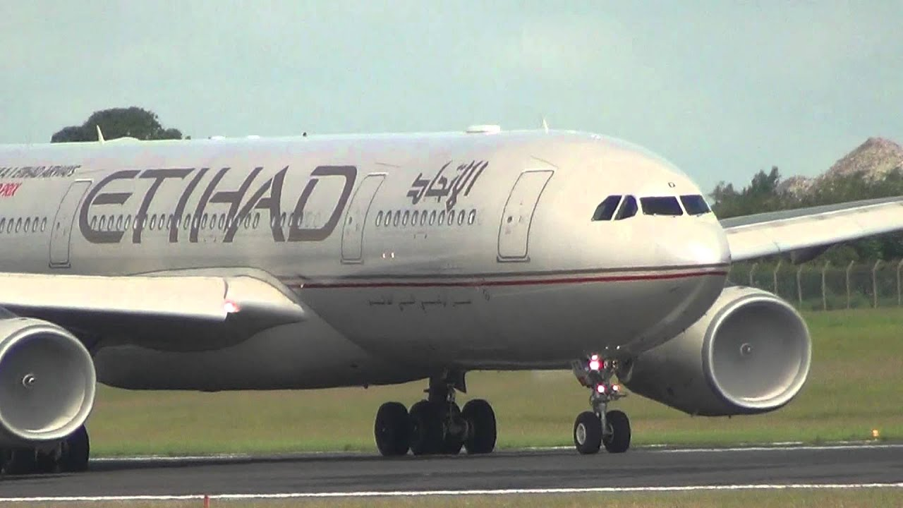 Etihad Airways A330 200 Take Off Dublin Hd Youtube