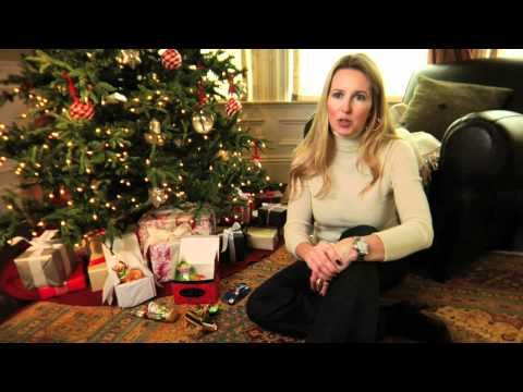 How to Adorn Your Christmas Tree with Tradition Using Christmas Ornaments | Pottery Barn