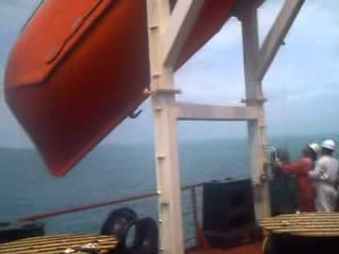 free fall  boat Hay Point Australia  03.AVI