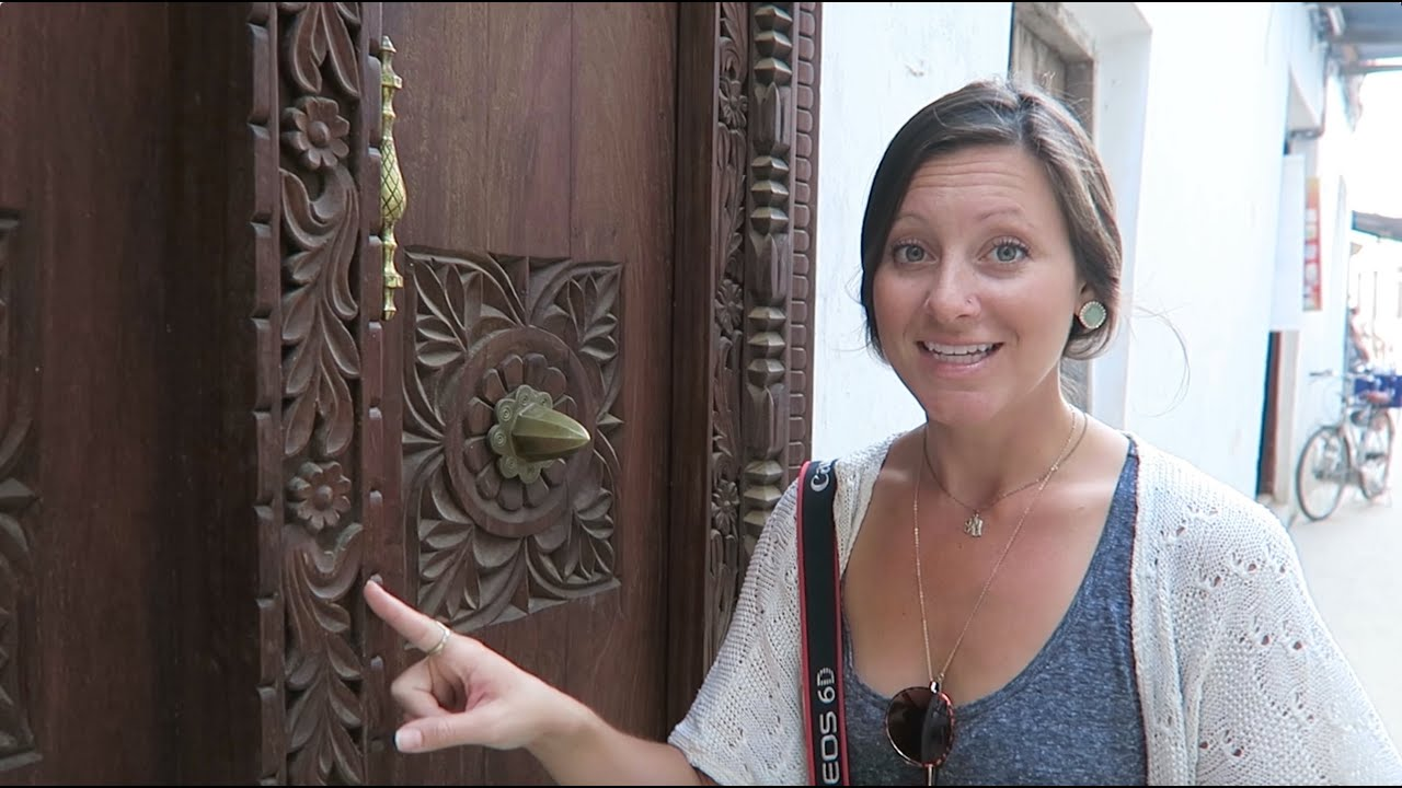 Exploring the streets of Stone Town, ZANZIBAR!