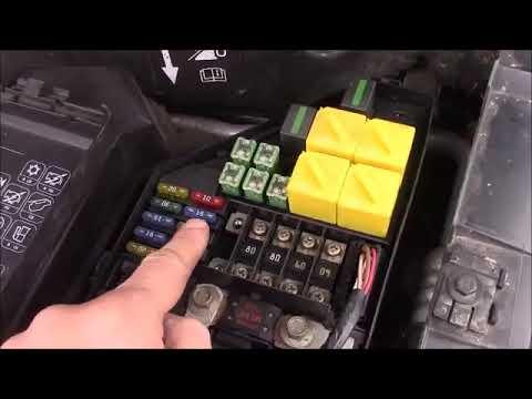 land rover freelander under bonnet hood engine bay fuse ... land rover freelander fuse box location