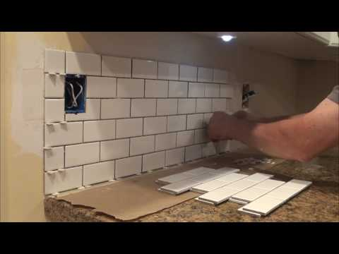 How to Tile a Backsplash. You can do it too! DIY