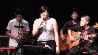 "BIHZHU performing ""The Moon Is Made of Gold"" (Rickie Lee Jones) Live @ No Black Tie"