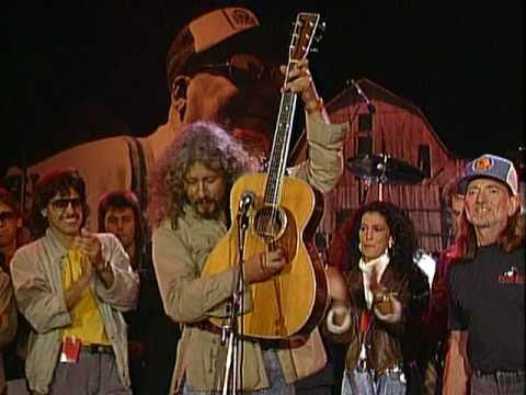 Arlo Guthrie, Willie Nelson, Neil Young & More - This Land Is Your Land (Live at Farm Aid 1987)