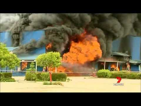 2012 11 10 Seven News   Toys R Us Fire
