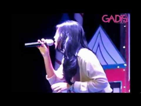 Raisa - Price Tag (Live at SMAK 3 Penabur Jakarta)