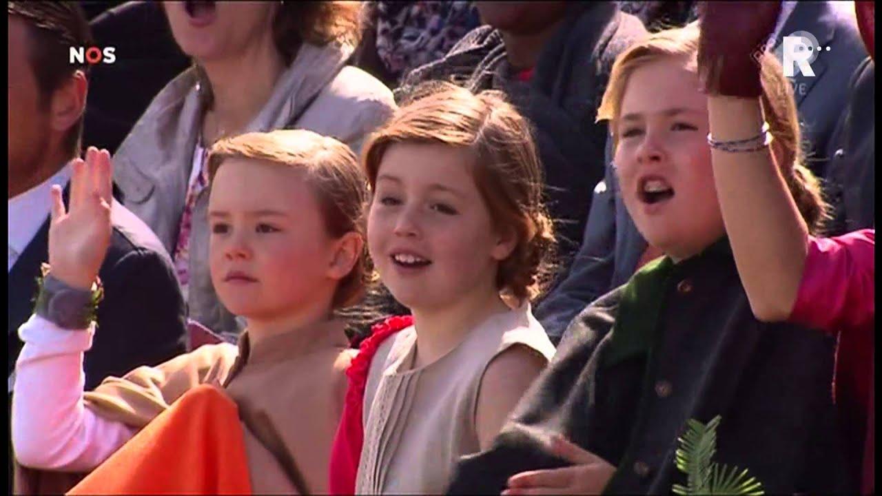 Koning Willem Alexander Viert Zonnige Verjaardag In Dordt Youtube