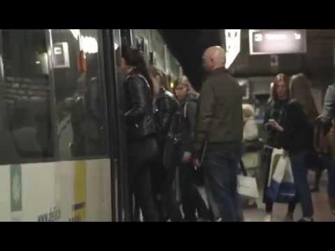 Мужик который ржет в автобусе