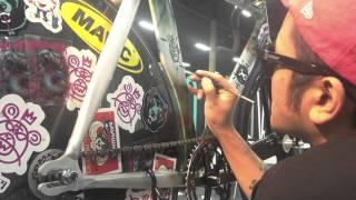 Lamour Supreme: Мишка x Affinity Bike Frame
