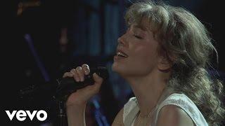 Thalía - Cuando Te Beso (En Vivo)
