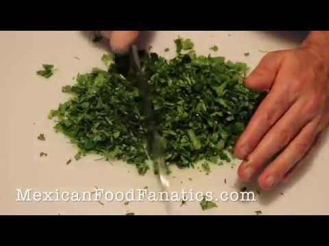 Mexican Food: How To Chop Cilantro