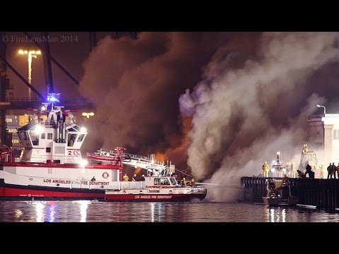 LAFD / Wharf Fire / San Pedro Fire Boats in Action! Part 1 of 3 / Night-Time