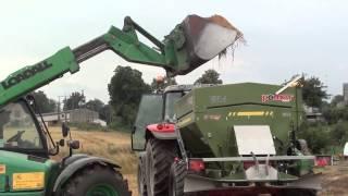 Uruchomienie rozsiewacza nawozów i wapna UPR 4 w firmie ARMAROL Lubiczyn