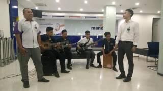 Mandiri cabang Tanjung Redeb (14808) - Ekspresi cover Titi DJ