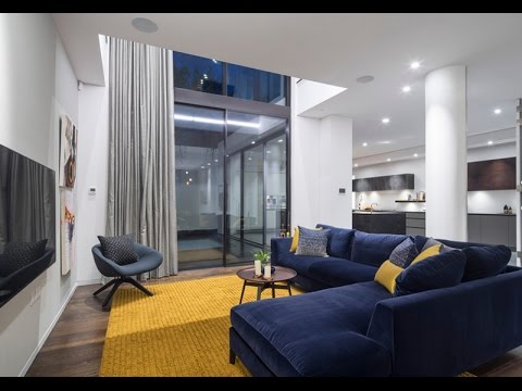 Appealing Living Rooms with Gold and Navy Accents Decorating Ideas