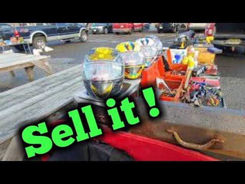 Flea Market Fun On A Beautifull Day