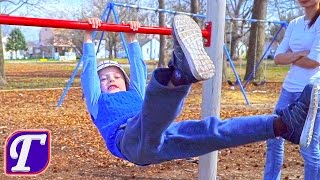 максим и детская площадка в америке макс играет и в парке влог видео для детей vlog entertainment