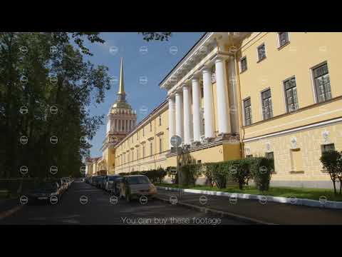 ST PETERSBURG, RUSSIA: Admiralty building and a park in the summer