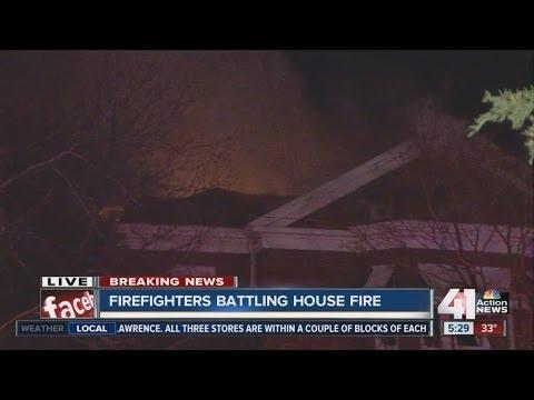 Crews battle house fire near Kansas City Art Institute