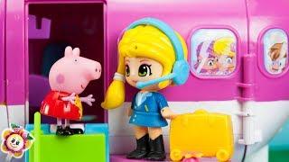 Peppa Pig et ses amis PINYPON partent en vacances d 'hiver ! Papa Pig a peur de voler en avion !