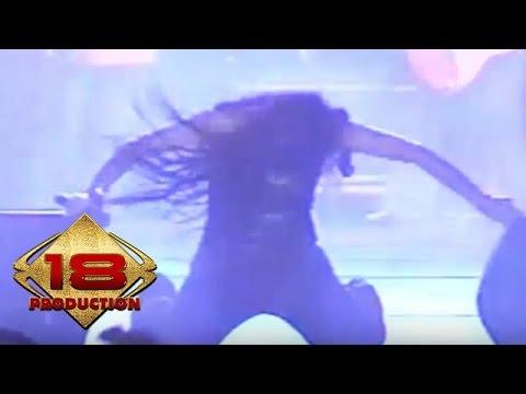 Irma Darmawangsa - Basah Basah   (Live Konser Kediri 05 November 2005)